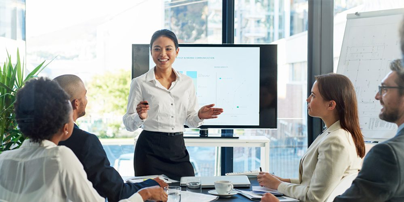 account-management-professional presenting in the meeting